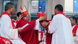 Đức Giám mục phó Antonio Li Hui